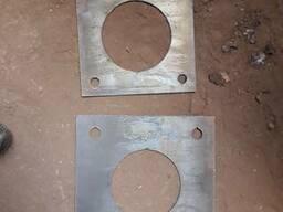 Анкерные железные плиты