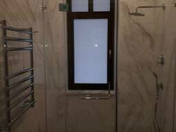 Душевые кабины, шторки для ванной.