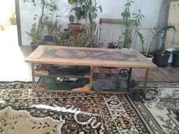 Эксклюзивный журнальный столик из спилов корней и эпоксидки