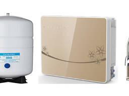 Фильтр для воды настенный, бытовой обратного осмоса.