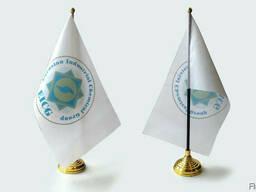 Флаги настольные однорожковые.