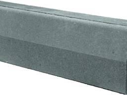 Камень бортовой (бордюр) цементно - песчаный