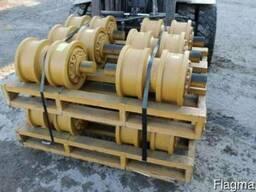 Каток опорный двубортный KMF 14X-30-00090 для Shantui SD16