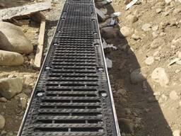 Лоток водоотводный SUPER ЛВ-20.28.28 бетонный с решеткой