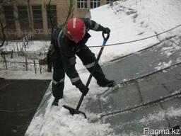 Очистка кровель от снега и наледи