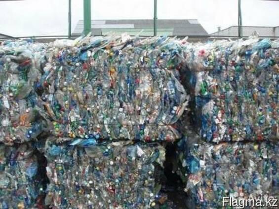 Пластиковые бутылки, баклажки