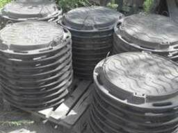 Production of cast iron manholes