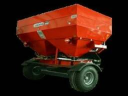 Разбрасыватели удобрений прицепные от 2500-6000 литров