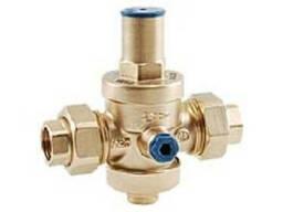 Регулятор давления с накидными гайками для холодной воды