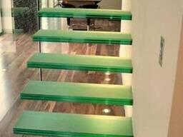 Стеклянные лестницы и перильные ограждения - фото 2
