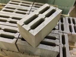Стеновые блоки 4 - х щелевые.