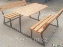 Стол с двумя скамейками со спинкой