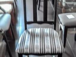 Столы и стулья из дерева