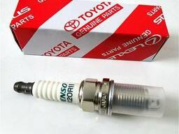 Свечи зажигания Toyota.