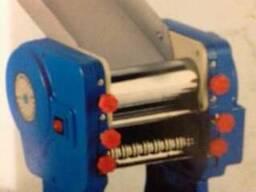 Тестораскатка с лапшерезкой настольная электрическая произво