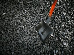 Уголь Орешек - очень долго горит при высокой теплоотдаче.