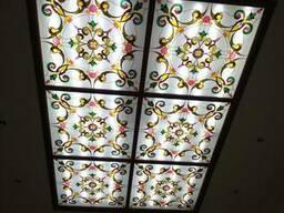Витражные рисунки на стекле и зеркале, кухонные фасады