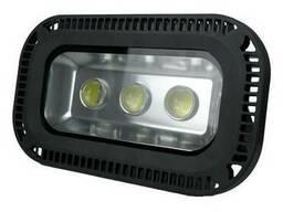 Высокомощный светодиодный прожектор мощностью 150-500 Вт